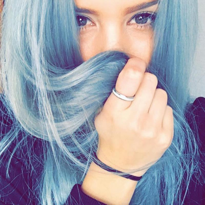 Capelli azzurri maschera pigmentata