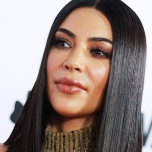 Kim Kardashian Taglio Extra Long Bob