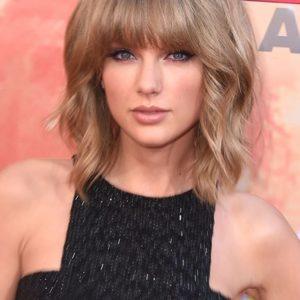 Taglio Shag Ondulato su Taylor Swift