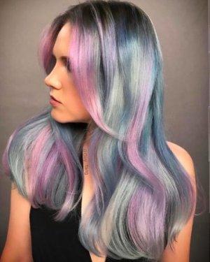Capelli color pastello blu rosa