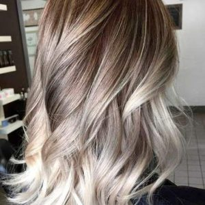 Balayage platino capelli lunghi