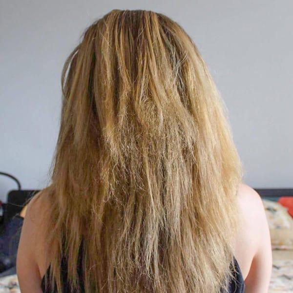 Nutrire e idratare capelli secchi