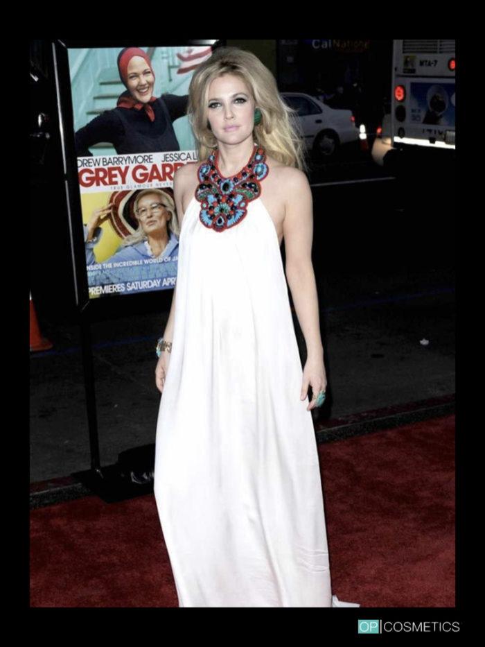 Drew Barrymore bionda con olaplex
