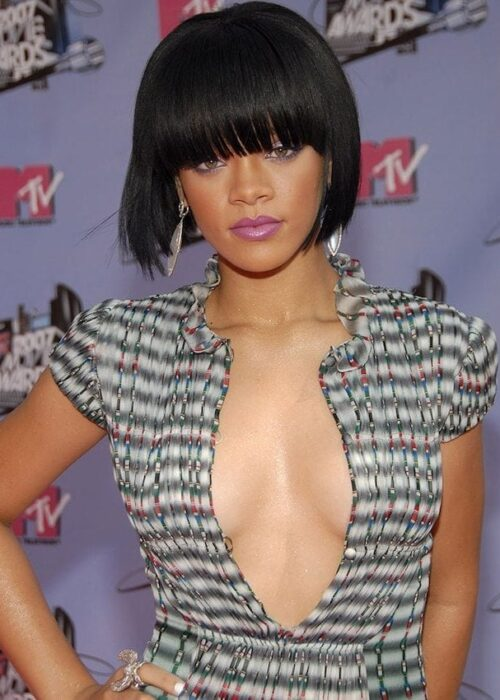 Rihanna blunt cut