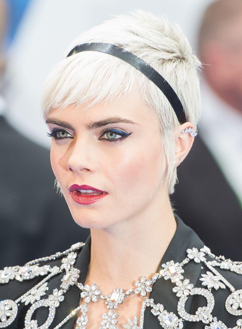Cara de Lavigne pixie cut