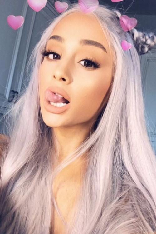 Ariana grande capelli grigio lavanda