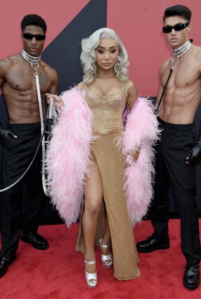 Nikita Dragun outfit mtv vmas 2019