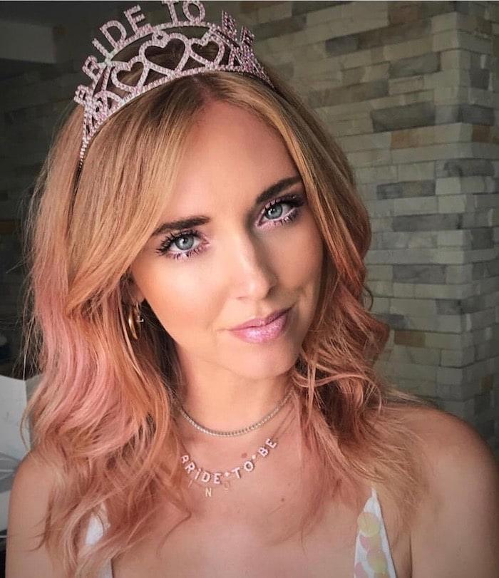 Chiara ferragni capelli rosa