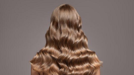 tinta capelli biondo cenere cura