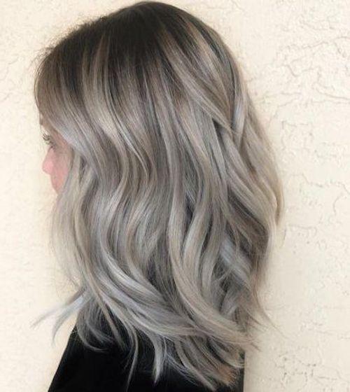 capelli biondo cenere taglio lungo