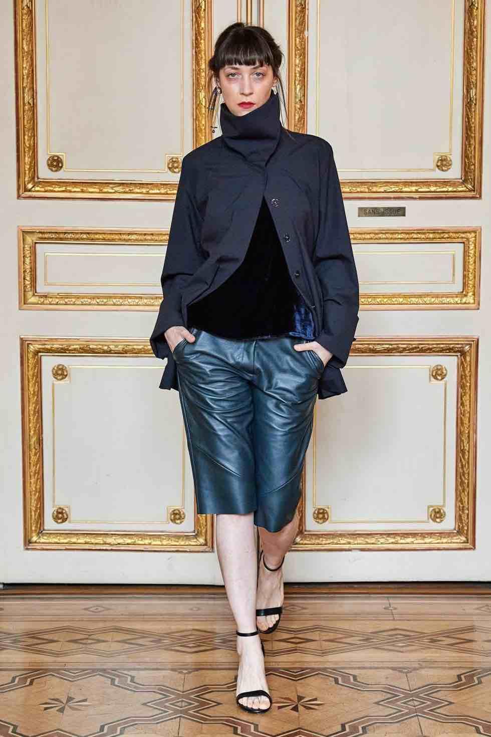 acconciatura capelli modella paris fashion week 2020