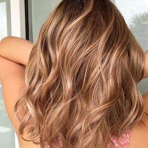 capelli biondo miele mossi
