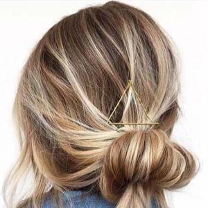 capelli biondo miele raccolti