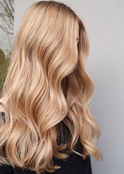 capelli biondo miele taglio lungo