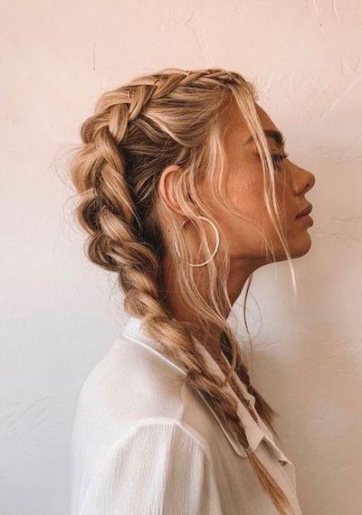 capelli biondo miele treccia