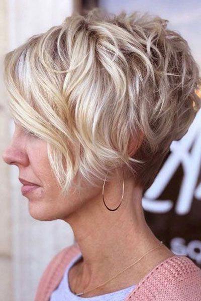 capelli corti styling donna