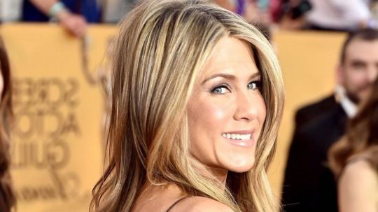 jennifer aniston hairlook