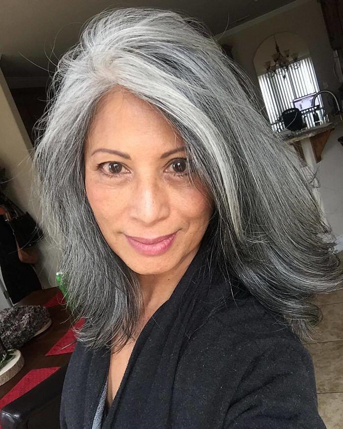 capelli grigi 2021
